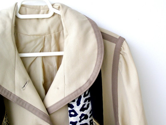 Vintage Women Raincoat, Women Beige Raincoat, Mid century fashion, mad men, autumn fashion, winter