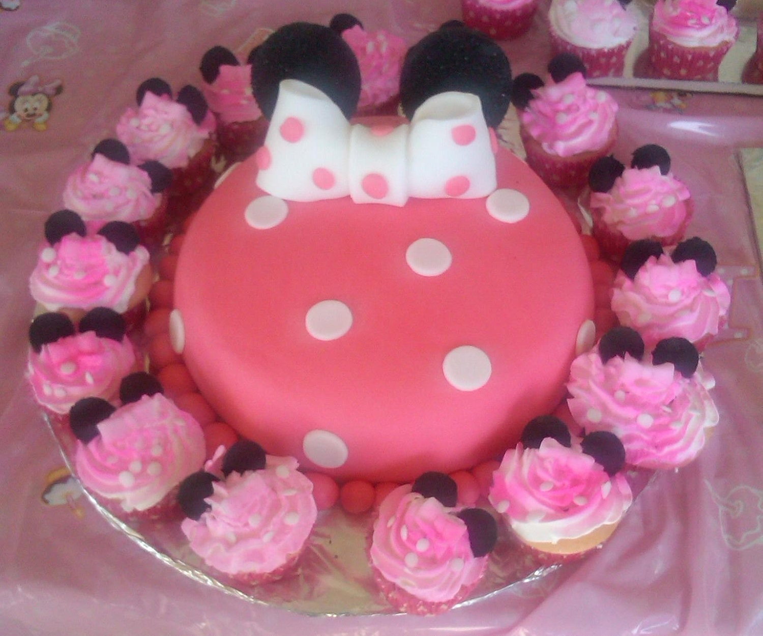 Minnie Mouse Cake Topper Images : Items similar to Minnie Mouse Cake Topper on Etsy