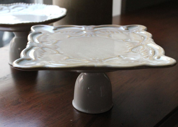 Single Cupcake Stand / Ceramic Cake Stand / Hostess Gift / Mini Cake Stand Pedestal / Jewelry Holder Stand / Soap Dish Pedestal
