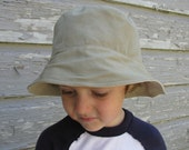 Reversible Bucket Hat in Twill and Natural Linen