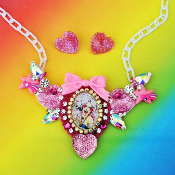 Jem Sparkle Heart Cameo Bib Necklace and Earring Set
