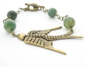 Bird Fashion Bracelet, Brass Chain & Moss Agate, Nature Inspired Jewelry