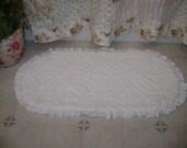 "SAMPLE Vintage Chenille White Ruffled Rug, Bath Mat,  Area Rug, 27"" x 40"" - Shabby Cottage Chic 'Scatter Rug'"