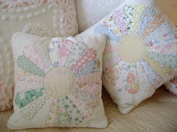 "Vintage 1930s Dresden Quilt Accent Pillow - 12"" Square"