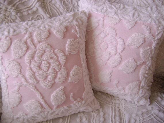 "Vintage Chenille 'Cottage Rose' - 18"" Pillow - Pink and Crisp White - Paris Apartment - Boudoir - Feminine Rose - Etsy Treasure"