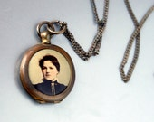 Art Nouveau Photo Locket With Chain Mourning