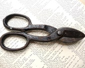 Vintage Industrial WORTH Iron Farm Scissor Clippers