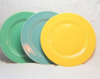 Yellow  Harlequin Plate Dinner Plate Sunshine China Fiestaware Riveriaware Art Deco Collectable Mix Match Entertaining Kitchen Deco