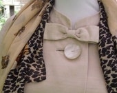 Vintage Coat 50's/60's Audrey Hepburn Swing Ivory Linen mix Coat, wedding,lined,3Large mother-of-pear buttons,and bow.