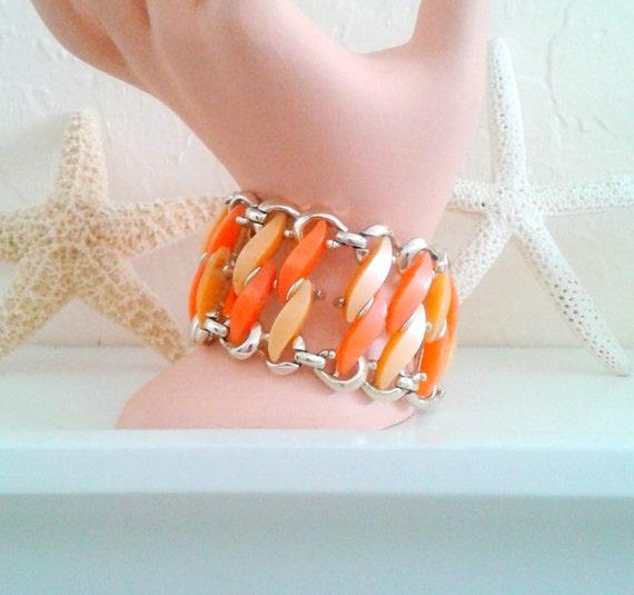 Retro CLAUDETTE Bracelet Thermoset  Pale Peach Tangerine