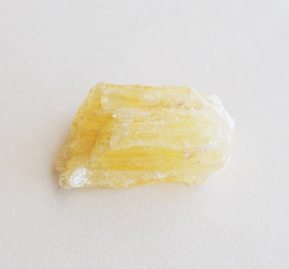 1 pc yellow mexican calcite specimen