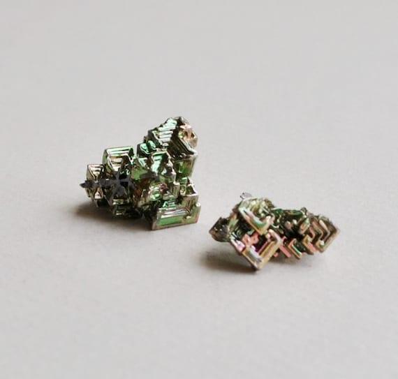 2 pcs carborundum crystals silicon carbide man - made