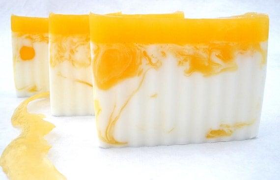 Honey (L'Occitane Type) with shea butter (no honey, vegan friendly)