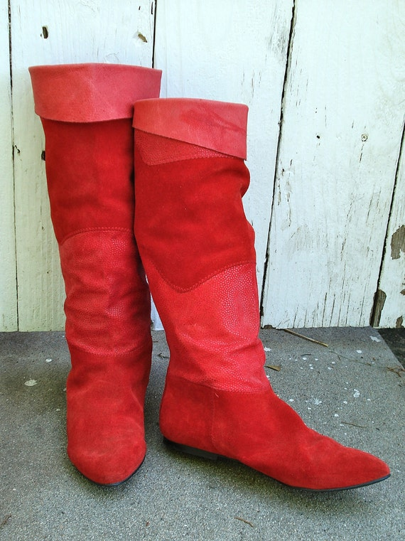 Vintage 1980s Red 2 Toned Suede Flat Boots, Size 8