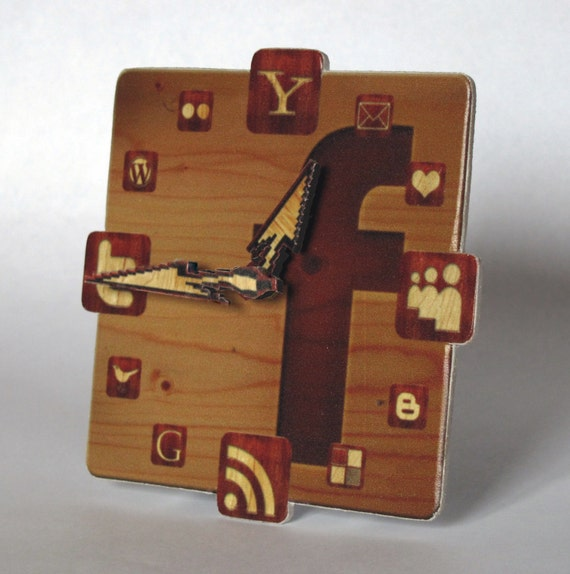 Facebook Wood Icon Table Clock mini