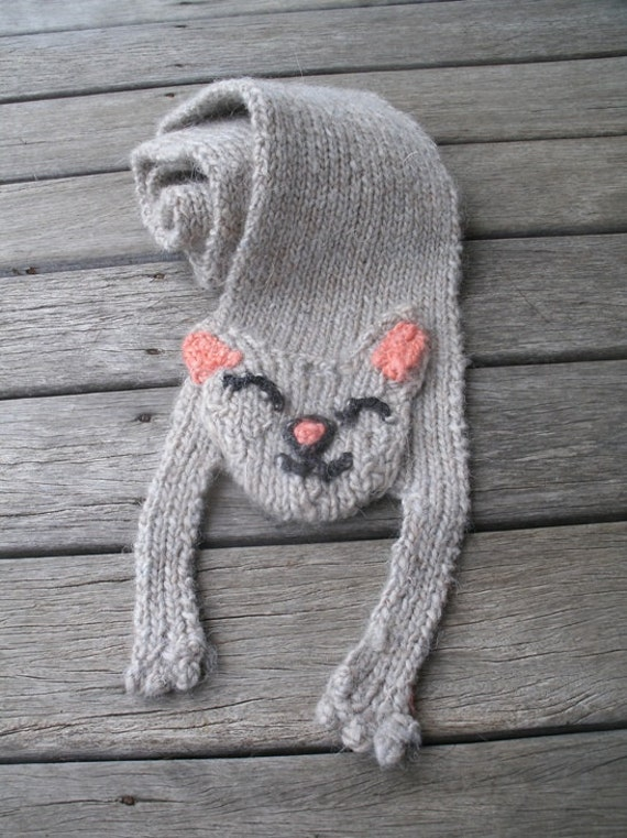 cat scarf - recycled ivory yarn