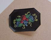 Vintage MINIATURE Handpainted TOLE TRAY Brooch Pin - Apples & Grapes Fruit Design on Black