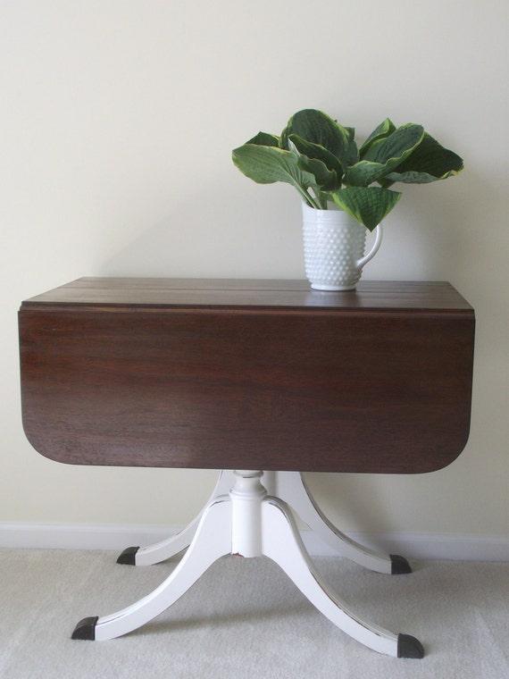 Vintage Duncan Phyfe Drop Leaf Table