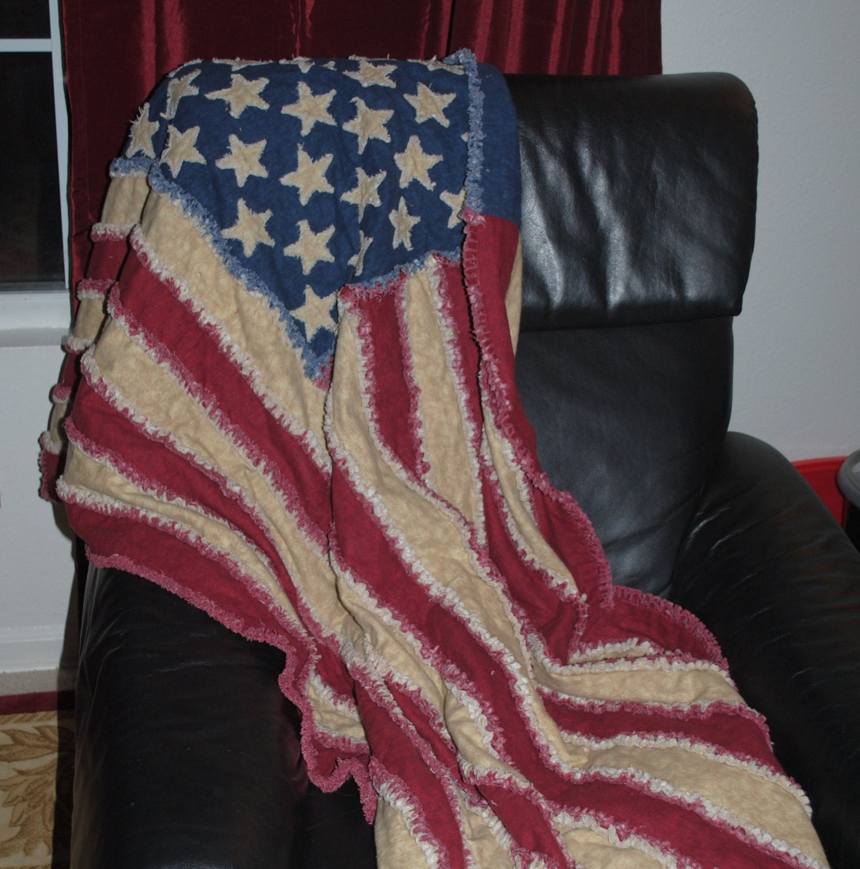 SALEAll Flannel American Flag Rag Quilt