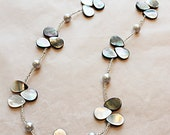 Gray Teardrop Mother of Pearl Beaded Necklace