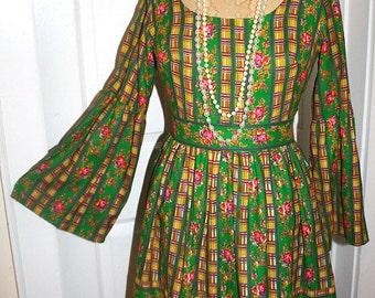 Vintage 60's 70's Green Floral Hippie Dress-