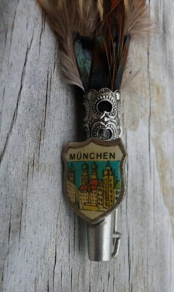 vintage munchen munich bavarian hat pin by pinkpalmtree on etsy. Black Bedroom Furniture Sets. Home Design Ideas