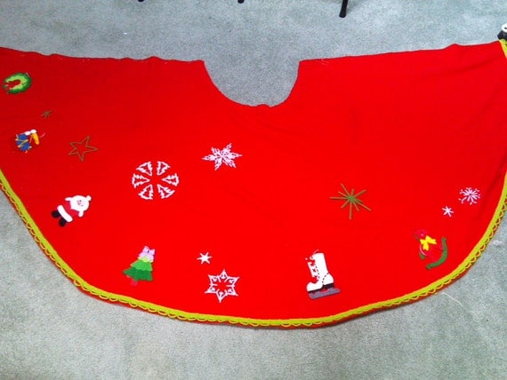 Large Vintage 1960s Christmas Tree Skirt