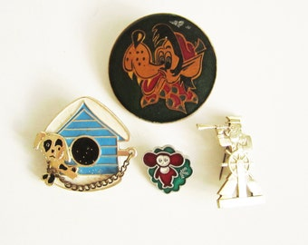 VINTAGE set of 4 PINS. Use in steampunk JEWELRY, mixed media art, assemblage, wear it.