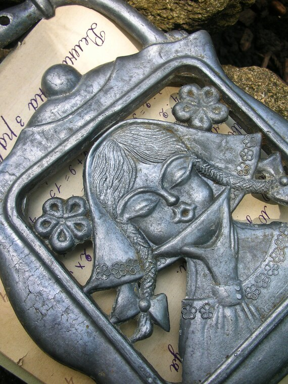 Beautiful VINTAGE GIRL drinking tea TRIVET. Use for home decor, kitchen decor, etc.