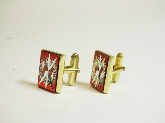 BEAUTIFUL vintage CUFF LINKS, wear it, make jewelry.