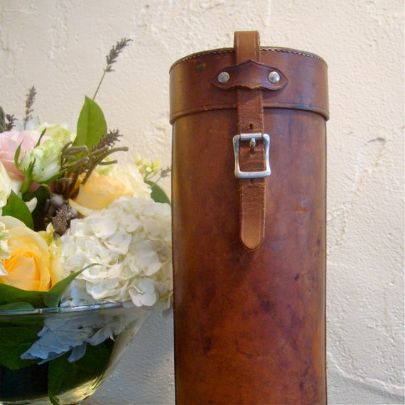 universal thermos with leather case