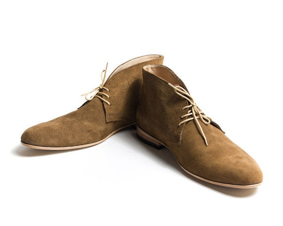 vintage inpired brown suede desert boots free by goodbyefolk