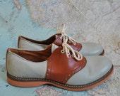 Vintage Buster Brown saddle shoes (( 4 ))