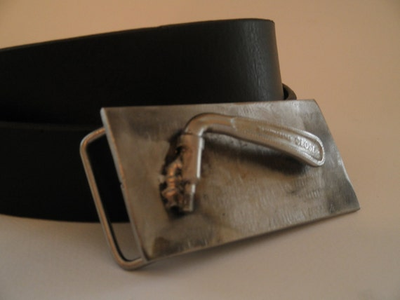 belt buckle with bike quick release.