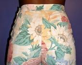 20% OFF SALE Paris Blues 1980s floral print pastel high-waisted shorts
