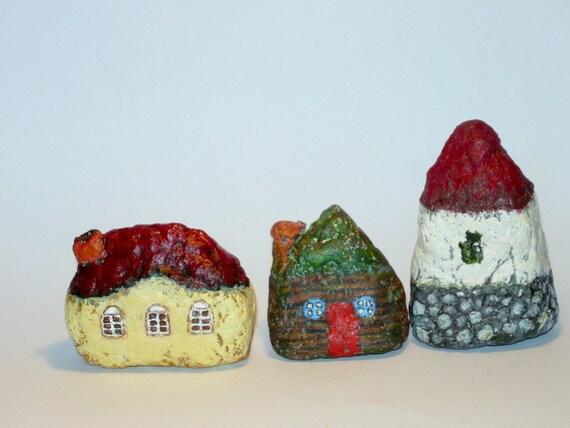MiniatureTransilvanian Cottage Paper Mache I- set of 3-