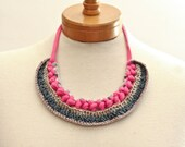 SALE necklace collier crochet pink jersey shiny yarns chain grey mauve