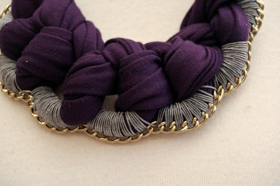 necklace collier bib dark purple jersey grey yarn brass chain