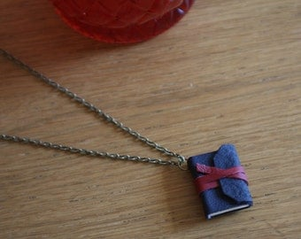 Meeting at Night  by Robert Browning . Mini book necklace with poem.