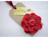 Pretty crochet flower brooch / corsage