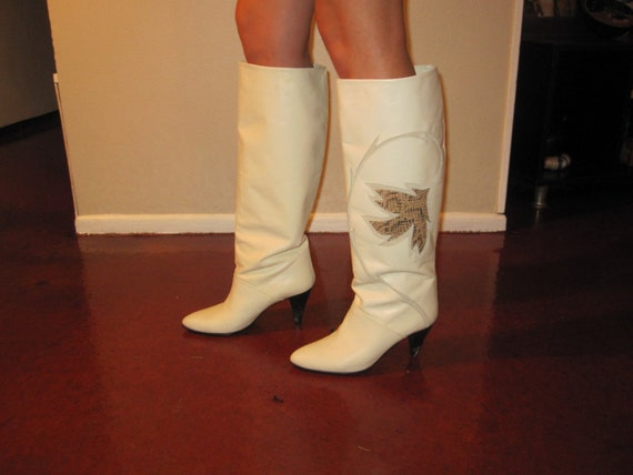 White Italian Leather boots, women's, vintage SALE