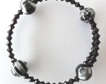Beaded memory wire bangle - black glass bead bangle / bracelet