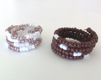 Beaded memory wire rings - Pair beaded rings in brown, white and lilac