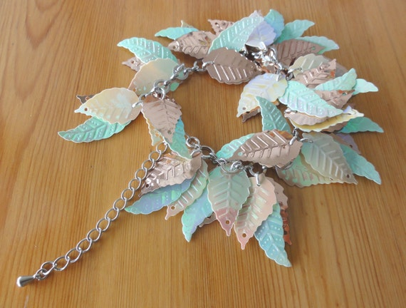 Leafy dangle bracelet