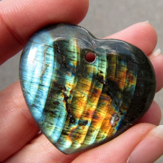 PRETTY Drilled Heart Striped Madagascar SPECTRALITE LABRADORITE Cabochon ETSpecHrt003
