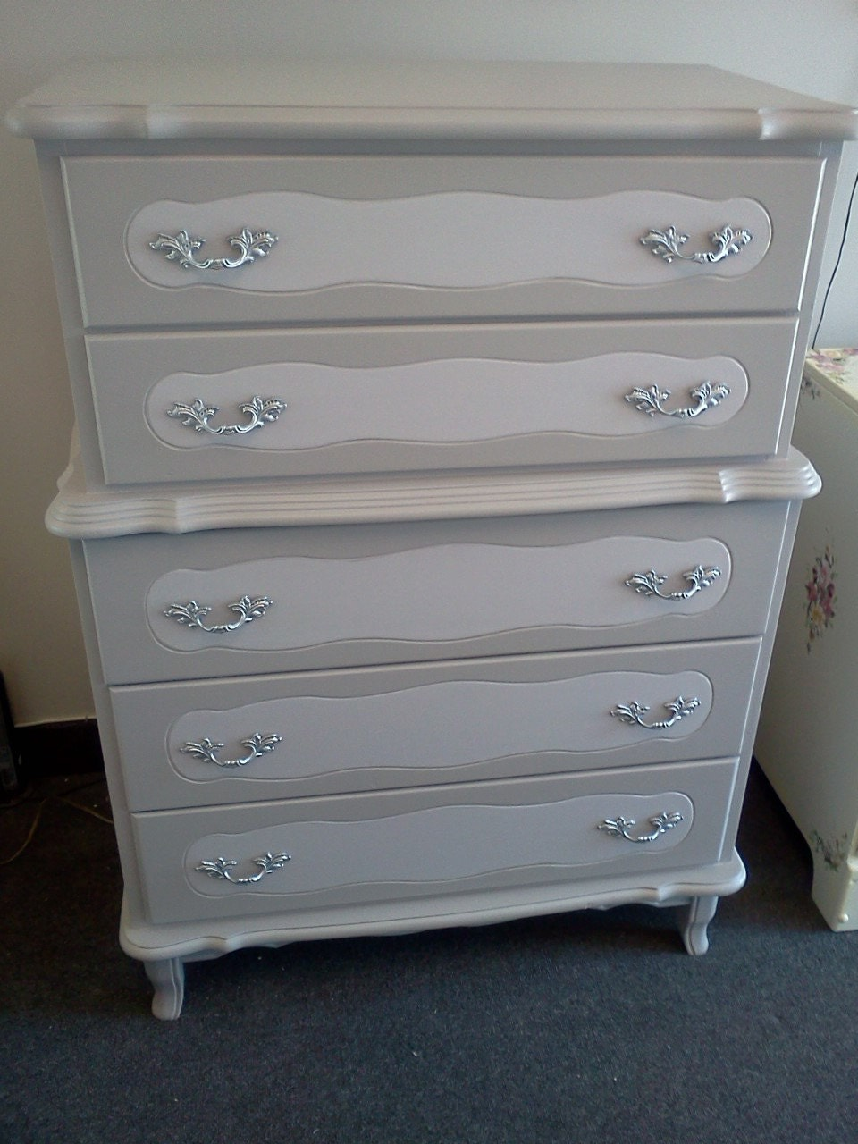 vintage painted french provincial shabby chic dresser handpainted furniture in moonachie nj 07074. Black Bedroom Furniture Sets. Home Design Ideas