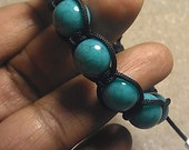 Beaded bracelet with turquoise agate beads