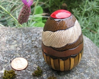 """Cupcake Painted Pyrography 2.5"""" Maple Wood Egg"""