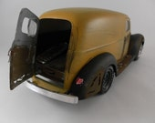 1930s Ford panel van delivery truck 1/24 scale model in yellow