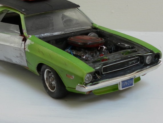 1970 Dodge Challenger 1/24 scale model car in green